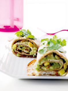 Disse sunne grove wrapsene med delikat fyll må ganske enkelt prøves! Passer perfekt til både lunsj, middag og helgekos.