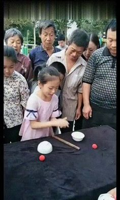 Kids got skills - So Funny Epic Fails Pictures Epic Fail Pictures, Best Funny Pictures, Magic Tricks Illusions, Video Caption, Jokes And Riddles, Fail Video, Picture Captions, I Laughed, Picture Video