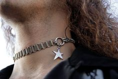 Rockers and punk-inspired silver star chain choker. This throat enhancing choker adds a sexy touch to any outfit. Punk Jewelry, Jewelry Box, Chain Jewelry, O Ring Choker, Choker Necklaces, Unique Gifts For Him, Handmade Jewelry Designs, Star Pendant, Silver Stars
