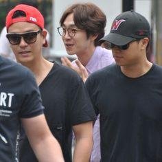 150821 SG Wannabe arriving at Music Bank by Sg Wannabe, Wayfarer, Ray Bans, Mens Sunglasses, Kpop, Music, Style, Fashion, Musica