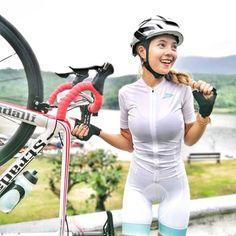 Happy with my Stradalli Smile and ride 🚵♀️😍😉 @nowhelmet @stradalli_cycle @f2psportswear #NOWHELMET #STRADALLI_CYCLE #f2p #cyclinglifestyle #cyclinglife #cycle #bikecommunity #bikegirls #thailand