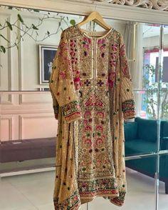 Pakistani Dresses Party, Pakistani Fashion Party Wear, Pakistani Bridal Wear, Pakistani Dress Design, Party Wear Dresses, Bridal Dresses, Fancy Dress Design, Bridal Dress Design, Latest Fashion Dresses