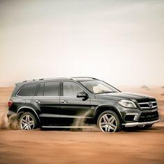 Benz in sand Mercedes Benz Gl, Audi Q3, Audi Cars, Jaguar, Bugatti, Buick Envision, Mustang, Audi Allroad, Best Suv