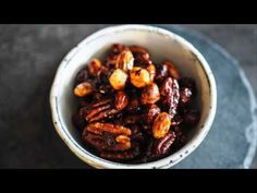 Jak na karamelizované ořechy | recept | JakTak.cz Detox, Granola, Smoothie, Cereal, Beans, Vegetables, Breakfast, Food, Morning Coffee