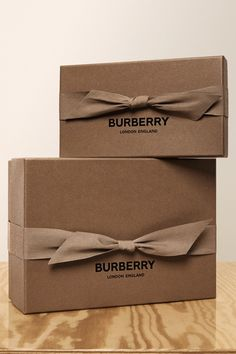 Burberry new packaging.You can find Luxury packaging and more on our website.Burberry new packaging. Clothing Packaging, Fashion Packaging, Luxury Packaging, Jewelry Packaging, Ecommerce Packaging, Scarf Packaging, Gift Packaging, Packaging Boxes, Coffee Packaging