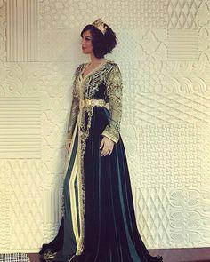 #تكشيطة_مغربية .  . . @Regrann from @bassmaboussel - make a wish ❣ #hope # . . #dressmoroccan_caftanbeautiful . . . .  when a dress gives you royalty  . . . #مضمة_مغربية