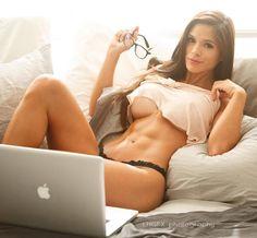 Michelle Lewin www.OnlyRippedGirls.Com #Fitness #Gym #FitnessModel #Health #Athletic #BeachGirl #hardbodies #Workout