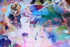 Jackson Pollock Art Mural for Kids - Meri Cherry Jackson Pollock Art, Third Grade Art, Food Art For Kids, Murals For Kids, Kids Art Class, Cool Art Projects, Collaborative Art, Process Art, Amazing Art