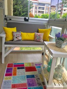 Contemporary, Rugs, Home Decor, Balconies, Farmhouse Rugs, Home Interior Design, Rug, Decoration Home, Floor Rugs