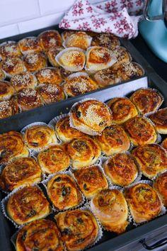 Pizzabullar- Mjuka och goda - ZEINAS KITCHEN Raw Food Recipes, Bread Recipes, Zeina, Halloumi, Plant Based Diet, Food Inspiration, Meal Prep, Clean Eating, Good Food