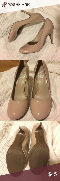 Jessica Simpson pumps Nude patent leather pump in absolutely perfect condition. Only worn once or twice but no sign of wear at all! No wear on the rubber bottom. This is the perfect heel for any occasion! Jessica Simpson Shoes Heels