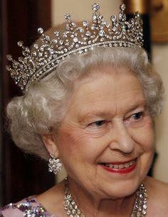 Queen Elizabeth II: Girls of Great Britain & Ireland Tiara