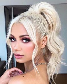 No matter the season, cute ponytail hairstyles are always in order as although many tend to associate ponytails with summer hairstyles, there are plenty of ways to make them fit in the colder seasons… Ponytail Hairstyles Tutorial, High Ponytail Hairstyles, Tomboy Hairstyles, Short Shag Hairstyles, Fringe Hairstyles, Little Girl Hairstyles, Headband Hairstyles, Summer Hairstyles, Homecoming Hairstyles