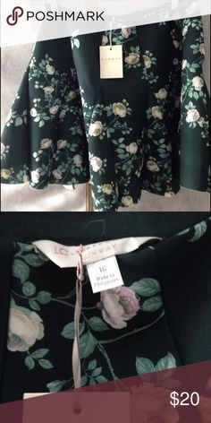 LC Lauren Conrad runway skirt size 16 NWT Scuba skirt from the runway collection! Beautiful floral print! LC Lauren Conrad Skirts Circle & Skater