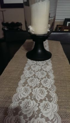 DIY - Burlap and laced table runner. #srdprojects