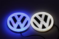 4D lighted for Toyota VW Audi BMW led car emblem with white blue red led car logo light on rear auto badge lamp