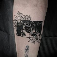This body art tattoos are cute tattoos. Tattoo designs usually aesthetic tattoo. Small tattoos can also be cool tattoos. Do you love this beautiful Tokyo ghoul tattoo of Tomie junji ito? Do you wanna get a cool tattoo from comic? Word Tattoos, Cute Tattoos, Body Art Tattoos, Small Tattoos, Tatoos, Incredible Tattoos, Beautiful Tattoos, Halloween Nail Art, Halloween Inspo