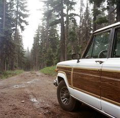 Grand Wagoneer - Camping in Oregon - Amos Lanka  dirt road / forest smell the moisture a happy jeep road