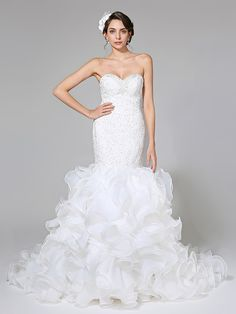 2017 Lanting Bride® Fit & Flare Wedding Dress - Glamorous & Dramatic Open Back Court Train Sweetheart Organza / Satin withAppliques / Beading - USD $199.99 ! HOT Product! A hot product at an incredible low price is now on sale! Come check it out along with other items like this. Get great discounts, earn Rewards and much more each time you shop with us!