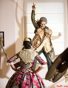Traditional Dresses, Samurai, Regional, Portal, Spain, Dress, Fabrics, Elegant, Spanish
