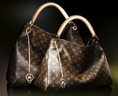 Artsy, Louie Vuitton. WANT SO BAD!