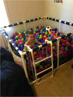 DIY Ball Pit For The Kiddos........http://diyfunideas.com ======== THE BEST DIY SITE EVER!