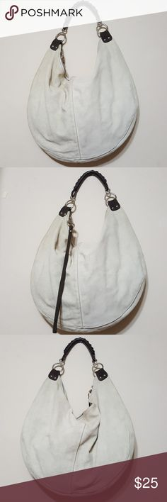 🎀Gap🎀women hobo bag This is an cream suede large  hobo bag from Gap. It has only been worn a couple of times! In excellent used condition GAP Bags Totes