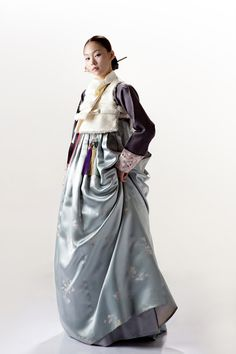 This is a recollection of Asian traditional clothing and their evolution nowadays. There will be fusion kimono or hanbok, and fashion inspired by those style or fabric.It's not my primary account. Korean Traditional Dress, Traditional Dresses, Sophisticated Style, Elegant, Korea Dress, Korean Hanbok, Korean Outfits, Asian Fashion, Her Style