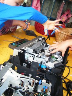 let the children play: tinkering at preschool