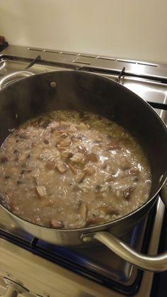 Risotto especial de la casa con setas portobello, vino blanco, caldo casero y queso parmigiano.