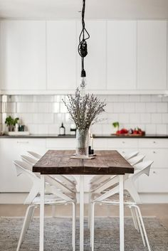 House Tour: Table to make memories Kitchen Dining, Dining Room, Dining Table, Raw Wood, Scandinavian Interior, Decoration, Sweet Home, Room Decor, House Design