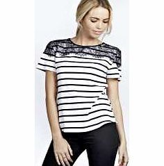 boohoo Alexandra Lace Panel Striped Tee - white azz21034 Make your top pop this season with sporty, baseball-style basic tees in quilted finishes with ribbed, stripe trims. Crew necks come in block colours, crop tops with mesh inserts and long sleeve jersey http://www.comparestoreprices.co.uk/womens-clothes/boohoo-alexandra-lace-panel-striped-tee--white-azz21034.asp
