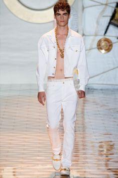 Versace Spring 2015 | Men's Milan Fashion Week