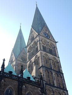 St. #Petri #Dom #Bremen blickt auf eine sagenhafte 1200 jährige Geschichte zurück. Das wunderschöne #Gotteshaus war bis zur #Reformation Sitz der Bremer #Erzbischöfe. Das bedeutende Dom #Museum umfasst zudem unschätzbare Kostbarkeiten. http://hansestaedte.com/st-petri-dom-bremen/   #Altarhaus #Ansgar #Atrium #Bach #Basilika #Bibelgarten #Bischof #Bleikeller #Bremen #Chor #Dom #Dommuseum #Erzbischof #Friesland #Glocken #Gotik #gotisch #Kirche #Kirchturm #Klop #Krypta #L