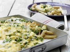 Lecker – mehr muss man dazu nicht sagen! Kohlrabi-Nudel-Gratin - mit Erbsen und Zucchini - smarter - Kalorien: 522 Kcal - Zeit: 30 Min.   eatsmarter.de