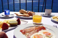 #DesayunoAcantilado con vistas al #mar y qué no falte un yogur muy especial ¿¿Te has fijado??  #PuebloAcantilado #ElCampello #Vistasalmar #Terraza #Relax #ApartamentosAcantilados #CostaBlanca #Mediterráneo #Resort #Suites #Desayuno