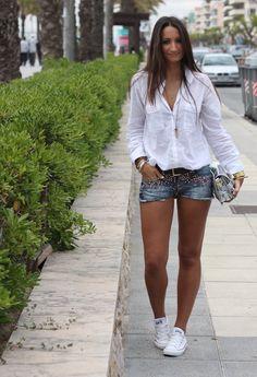 Embellished Shorts  , Bershka en Pantalones cortos, Converse en Deportivas, Pull    Bear en Camisas / Blusas, Zara en Bolsos