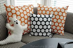 Halloween Pillows | Crafting in the Rain