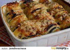 Zapečené naskládané brambory recept - TopRecepty.cz Cauliflower, Zucchini, Pork, Treats, Chicken, Vegetables, Kale Stir Fry, Sweet Like Candy, Goodies