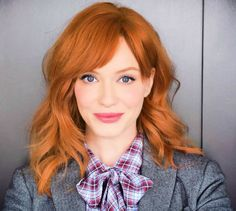 Get The Mad Men Spring Cheek Look: Christina Hendricks Favorite Blush - Make Up For Ever's Best HD Blush 210 Christina Hendricks, Cristina Hendrix, Head Band, Copper Hair, Long Layered Hair, Celebrity Beauty, Hair Today, Trendy Hairstyles, New Hair