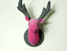 Deer Head Wallhanging, Dearly Pink