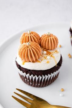 Cupcake Icing, Cupcake Art, Pumpkin Spice Cupcakes, Pumpkin Spice Latte, Pastry Art, Fall Baking, Kakao, Pumpkin Decorating, Fall Recipes