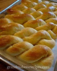 Beautiful Twisted Breadsticks - waaaay easy!