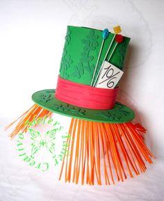 Sombrero de copa (sombrerero loco) elaborado en foami, para cotillones de hora loca.