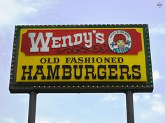 The first Wendy's logo sign of the now currently in use as a common restaurant sign. Plus, the Wendy's restaurant is a Chinese place today. Vintage Restaurant, Fast Food Restaurant, Retro Advertising, Retro Ads, 70s Food, Chinese Places, Fast Food Chains, Logo Sign, Thats The Way