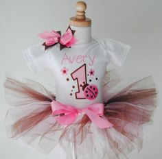First Birthday Outfits for little girls tutu Cute Perfect Baby Tea Party Birthday, Birthday Tutu, Baby Party, Birthday Shirts, Girl Birthday, Birthday Ideas, Pink Ladybug Birthday, Little Girl Tutu, Pink Chocolate