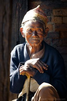 Glowing Old Age - Bhaktapur, Nepal by Anton Jankovoy via We Are The World, People Around The World, People Photography, Portrait Photography, Beautiful World, Beautiful People, Old Faces, Interesting Faces, Forever Young
