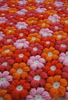 Watch The Video Splendid Crochet a Puff Flower Ideas. Phenomenal Crochet a Puff Flower Ideas. Crochet Diy, Crochet Home, Love Crochet, Crochet Motif, Crochet Crafts, Crochet Stitches, Crochet Projects, Crochet Bobble, Craft Projects