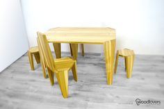 woodlovers_hoox_wooden_furniture_21.jpg (1100×733)