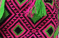 The tissues of the Wayuu fascinated by their colors, designs and complexity of techniques used in its production. The reasons for this culture are typical representations of geometric shapes that symbolize elements of nature (animals, plants, stars, trails, etc..) Surrounding the Wayuu everyday life.